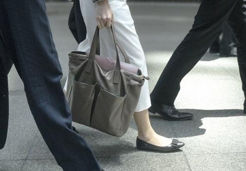 パート面接時の服装 靴とカバンも気を抜かないで